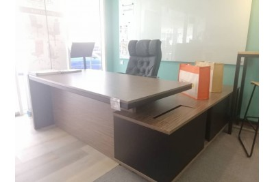 PALLADO Executive Desk - ClearanceStock